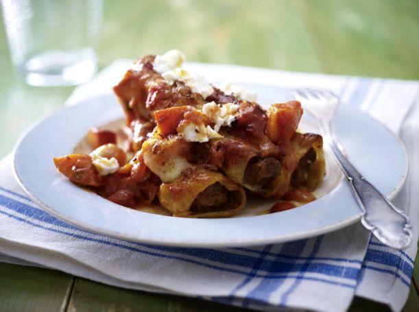 Unser beliebtes Rezept für Cannelloni mit Chilihack in Kürbis-Tomaten-Soße und mehr als 55.000 weitere kostenlose Rezepte auf LECKER.de.