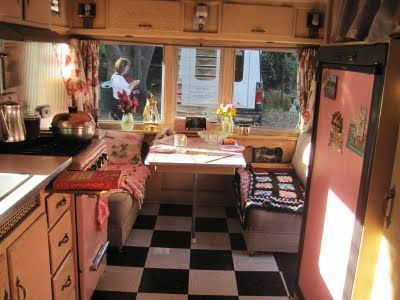 Trailer decorCheckered Floors, Vintage Trailers, Trailers Interiors, Campers Ideas, Black And White, Campers Interiors, Bing Image, Interiors Pictures, Vintage Campers