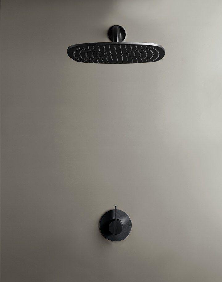 Bathroom according to Piet Boon | designkranen | Piet Boon® by COCOON | moderne rvs badkamerkranen ontworpen door Piet Boon voor het design merk COCOON | badkamerdesign | bathroom design | bathroom taps | black | shower sets