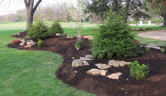 Front yard idea.  Would love to make my berm look like this!