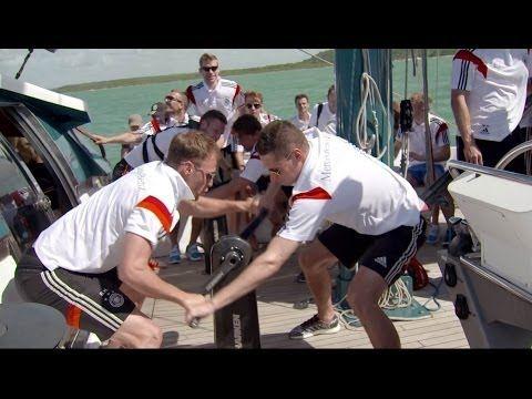 Germany Teambuilding beim Segeln in Brasilien - Die Nationalmannschaft und Mike Horn sind bereit wie nie. WM2014