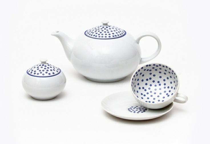 Beautiful porcelain set by Dita P.