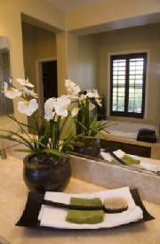 flowers add such charm - Staging A Bathroom
