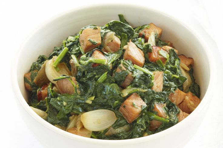 A+great+savoury+dish+combining+spinach,+fried+onion+and+crispy+bacon+pieces.