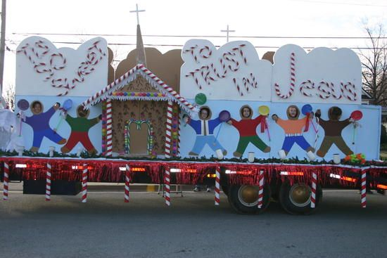 Church Christmas Floats | Medalton United Baptist Church displays the hard work that went into ...