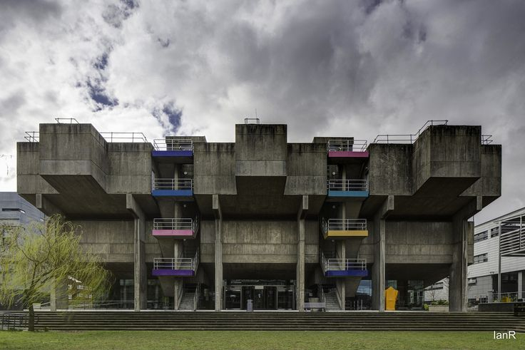 Brunel Library.jpg Sheppard, Robson and Employees / John Heywood: Brunel University Lecture Center, London, Großbritannien, 1965–1967 Foto: © Ian Rawlinson 2014