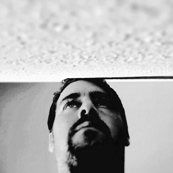5.- No hay silencio más puro que el de la boca que fue callada por un pensamiento tan profundo que no tiene lengua que lo entienda, y solo puede esperar, callada, hasta que vuelva su razón y se disipen los matices dopaminados que tornaron ciego y mudo su corazón.