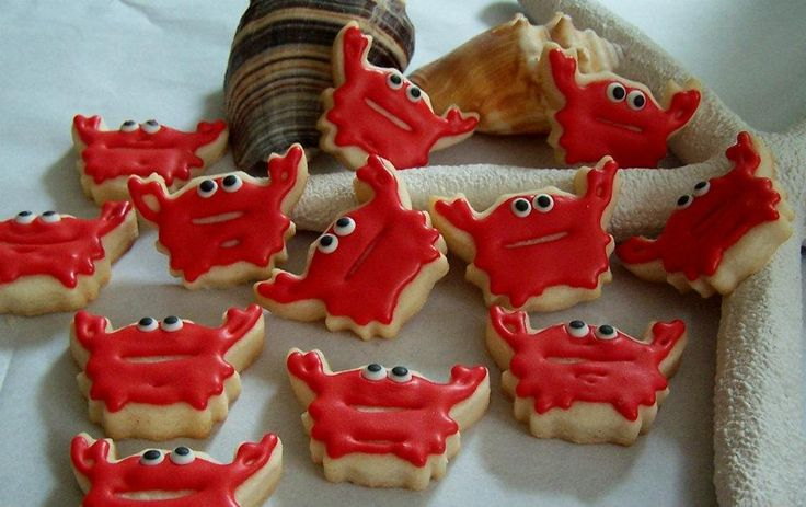 Mini crab cookies by Cookie Diva. http://www.thecookiediva.net/index.html