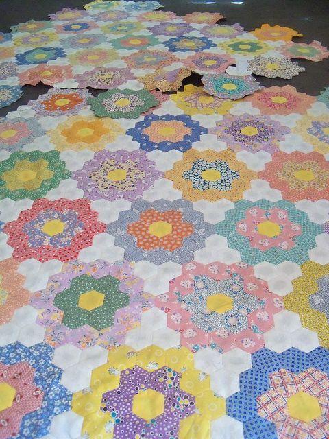 30's Reproduction #hexagon grandmother's flower garden quilt