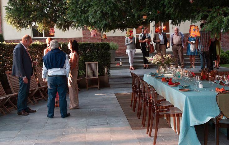 Gezellig aperitieven en dineren in de tuin van Hof ter Smisse.