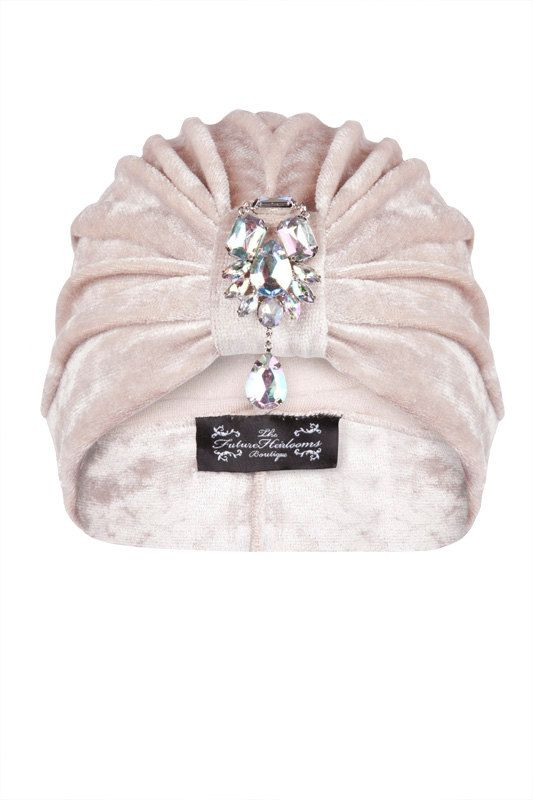 Pearl Iridescent Turban with Coordinating Hanging por TheFHBoutique, £30.00