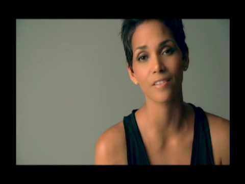 Halle Berry talks about the warning signs of diabetes in children.