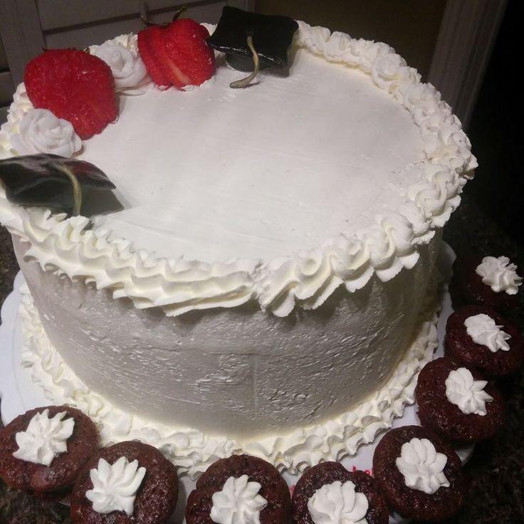 Graduation Cake #grad #cake #yum #strawberries
