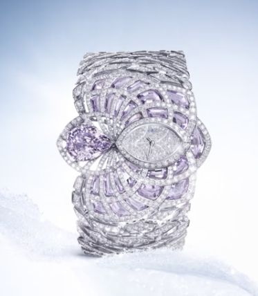 Cartier provides a variety of exceptional creations, including this beautiful High Jewelry Watch