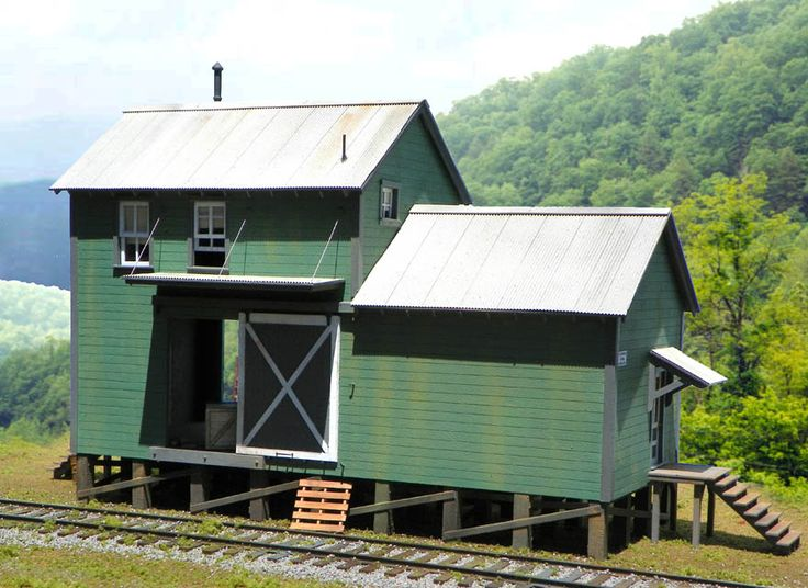 Hyde Pulp Mill in O Scale - Shipping/Storage Building