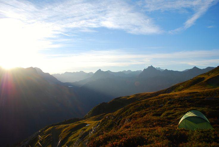 Ein einzigartiges Erlebnis: Alpines Campen. Eins mit der Natur sein! https://www.youtube.com/watch?v=W_UXtc6SJhI  #silvrettamontafon #bergsommer #neverstopexploring #mountainlife