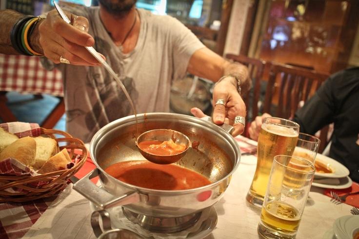 Un'ottima zuppa di pesce, tipica di Novi Sad e della Serbia