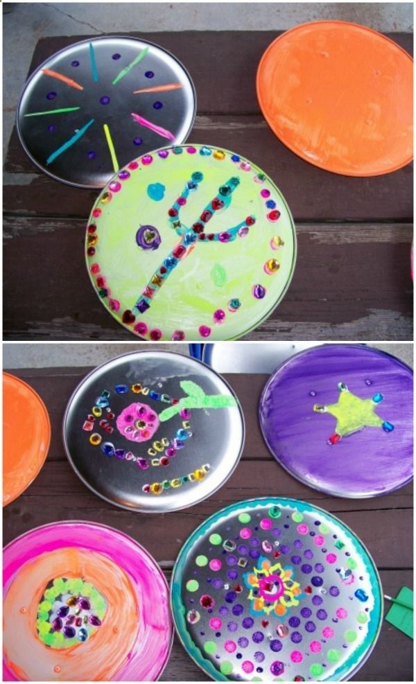Make your own Shield craft (using pizza pans) - great for a Percy Jackson, pirate or knights party!