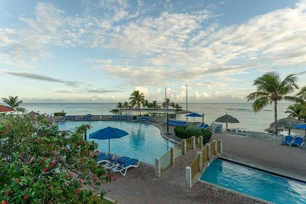 Jamaica Vacations - Holiday Inn Resort Montego Bay, Jamaica - All-Inclusive - Outstanding value All-Inclusive built for families and perfect for everyone!