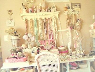 ........Crafts Desks, Crafts Stations, Little Crafts, Little Girls Crafts, Crafts Spaces, Shabby Chic, Crafts Room, Crafts Tables, Vintage Rose