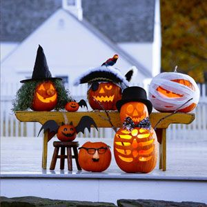jackolanterns and halloween decorations