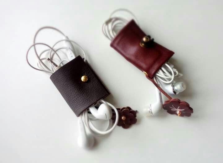 Headphones organizer,  leather