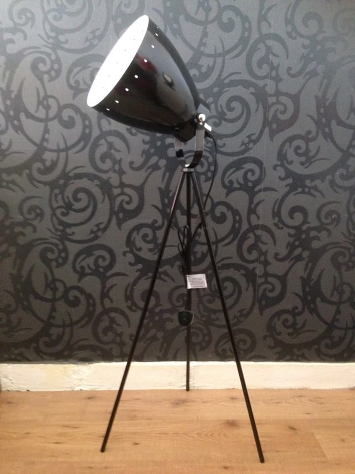 Large tri-pod floor lamp- Brand new