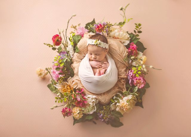 Which Flowers Should You Send When a Baby is Born? #flowers #flowersonline #onlinefloristmalaysia #flower #bouquet #flowers #Bloom2u #malaysia #onlineshopping #ecommerce #occasions #KL