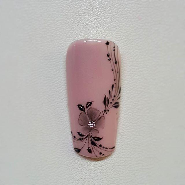 #nails #nail #fashion #style #TagsForLikes.com #cute #beauty #beautiful #instagood #pretty #girl #girls #stylish #sparkles #styles #gliter #nailart #art #opi #photooftheday #essie #unhas #preto #branco #rosa #love #shiny #polish #nailpolish #nailswag