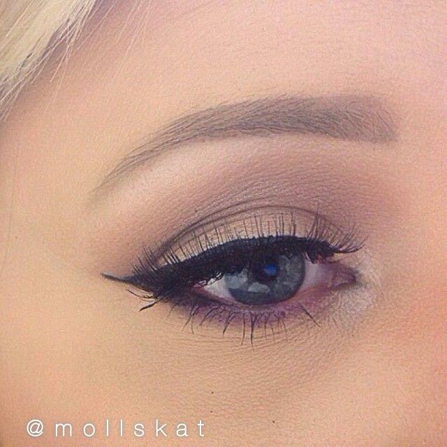 natural eye makeup idea with purple idea