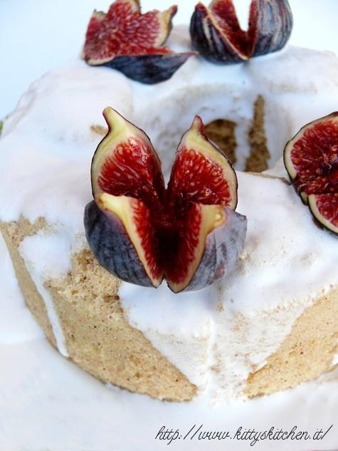 Italian recipes...   Chiffon cake ai fichi, in 10 minuti