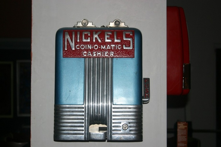 Coin-O-Matic Cashier coin changer from the 30s.