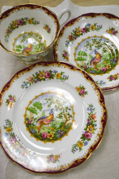\ Chelsea Bird\  Trio - Royal Albert Bone China from England - Teacup and Saucer & 1000+ best Vintage China Plates/ Dessert Plates images on Pinterest ...