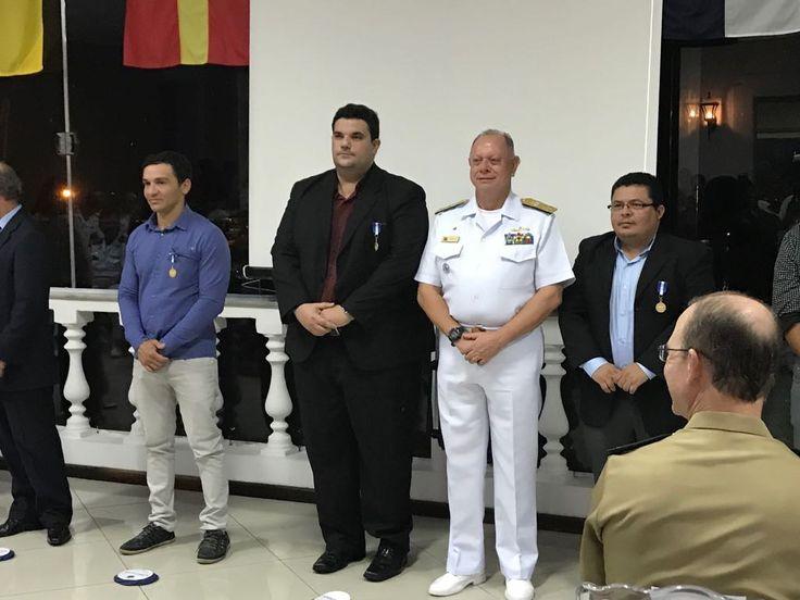 Membros da Kehilá de Manaus recebem a Medalha de Amigo da Marinha   PLETZ.com