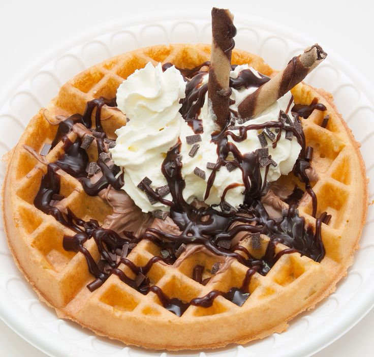 Nutella Waffle with FroYo #kiwiyo #waffles