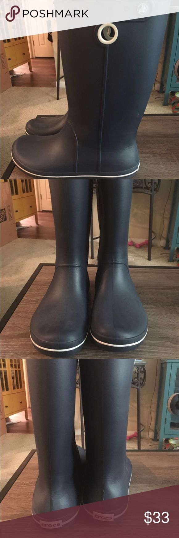 Size 10 navy blue Crocs Wellies Worn twice and in great shape! Water resistant boots. CROCS Shoes Winter & Rain Boots