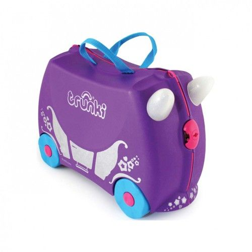 Maleta Trunki Carruaje Real 52,95 €. Maleta infantil para niños. Diseñada para ser utilizada como correpasillos. Dispone de una tira ajustable para remolcar a los niños subidos encima de la maleta.