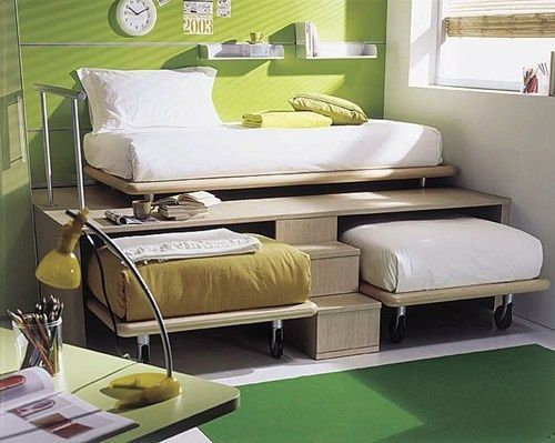 3 twin beds in the space of 1  Brilliant for a small home. Interesting idea