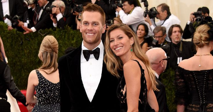 Doing the #TakeOutTakeout Challenge would be no problem if you had a personal chef. And if you're Tom Brady and Gisele Bündchen, you have a pretty awesome personal chef. Allen Campbell does all of their grocery shopping, prepping, and cooking. He even travels with them. From an article that just