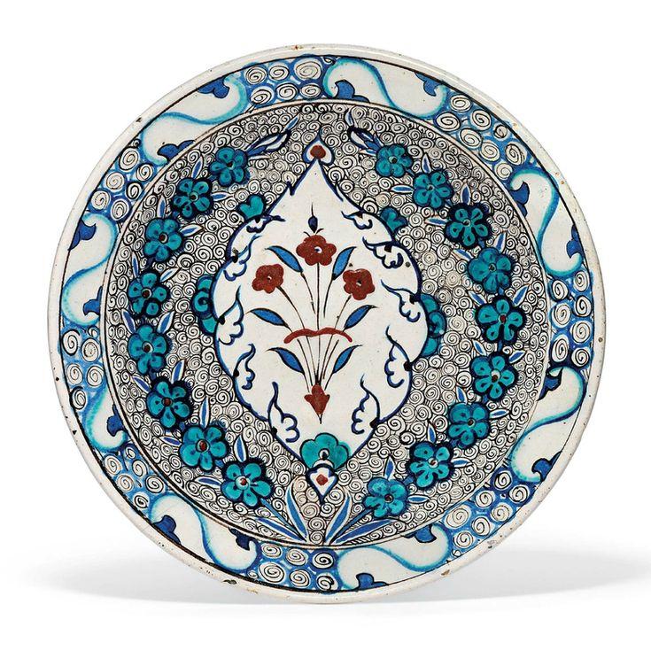 An unusual Iznik pottery dish, Ottoman Turkey, circa 1590