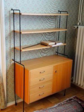 Orginal 60er Jahre Omnia Möbel von Hilker . Charakteristisch die filigranen Metallleitern mit den...,Omnia Schreibtisch mit passenden Schrank mit Regal von Hilker in Minden - Minden