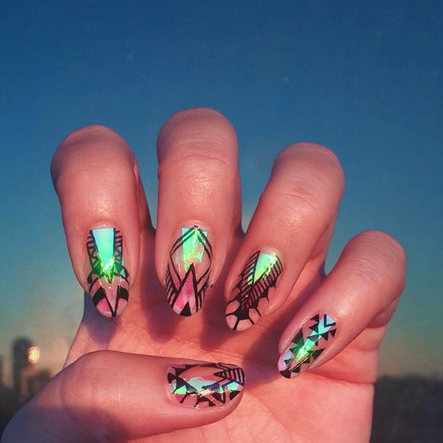 Shattered glass nail trend