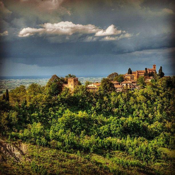 @Riccardo Pacchioni ancient spring by Turismo Emilia Romagna, via Flickr