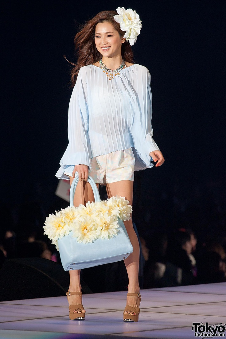 Lips Service at Tokyo Girls Collection 2013 SS