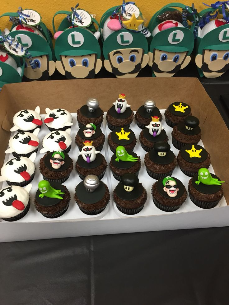 Luigi Gift bags and Luigi's Mansion Cupcake Toppers