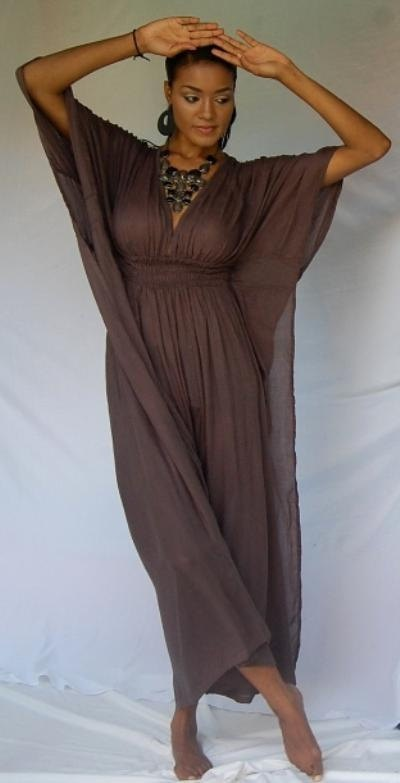 rockin' a caftan.. completely obsessed