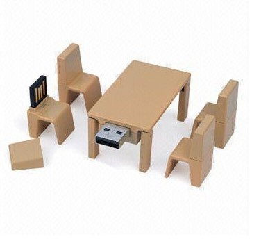 Wooden table and chair set USB
