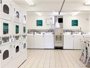 Oahu hawaii oahu and hotels on pinterest for Hotel laundry room layout