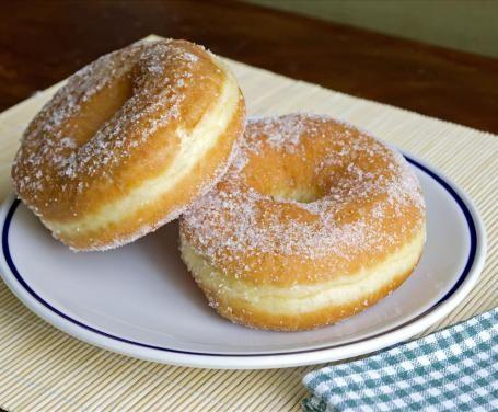 I fatti fritti sono dei dolcetti tipici sardi, molto amati dai bimbi dell'isola e preparati solitamente in occasione delle festività.