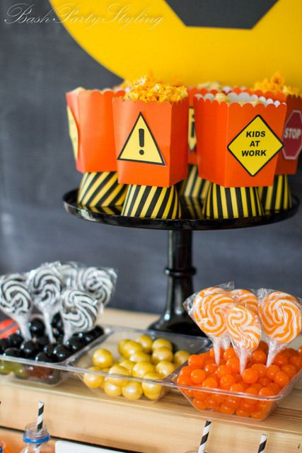 Treats and snacks at a Construction Party #construction #partysnacks